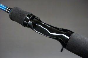 ダイワ「エメラルダスIM」イカメタル専用のお手頃価格ロッド。イカメタル専用設計で扱いやすく、掛ける面白さを味わえるモデル!