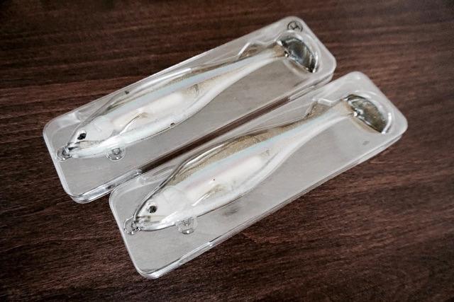 「ステルススイマー」はノーウェイトとヘビーウェイトの2種類が専用保管用ケースに入っている