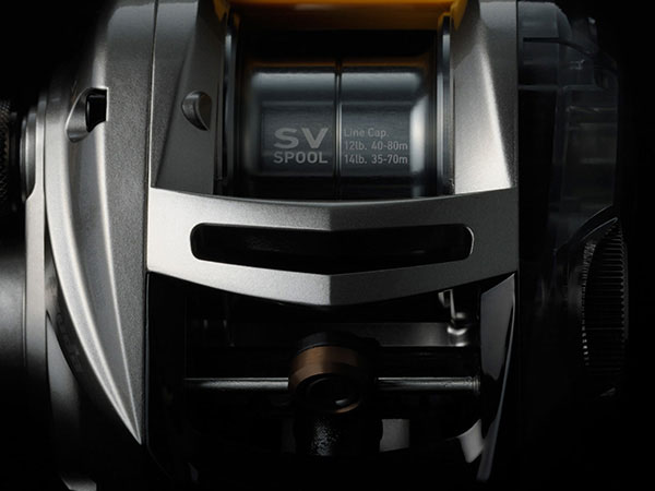 軽量なSVスプール搭載で、軽量ルアーのピッチングが快適に!