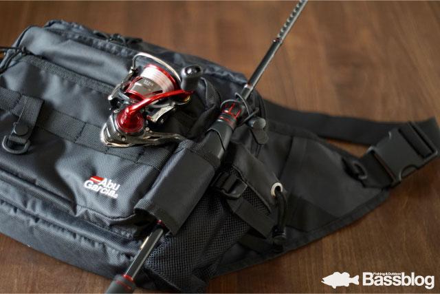 釣りバッグ:ロッドホルダー